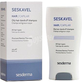 Sesderma Seskavel champú antigrasa y caspa para todo tipo de cabellos Frasco 200 ml