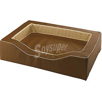 FERPLAST modelo Majesic sofá para mascotas acolchado desenfundable color marrón medidas 76x51x21 cm  1 unidad