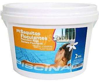 Pqs Floculante granulado en saquitos de 125 gramos. Precipita la materia en suspensión del agua, evitando que el auga se vuelva turbia, todo esto sin modificar el PH del agua 2 kilos