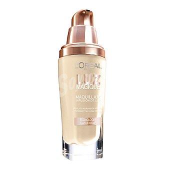 L'Oréal Base de maquillaje Luz Magique DW5 Gold Sand 1 ud