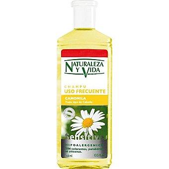 NATURALEZA Y VIDA champú Sensitive Camomila para todo tipo de cabello de uso frecuente  frasco 300 ml