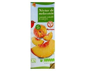 Auchan Néctar de melocotón con contenido reducido en azúcar Brik de 1,5 litros