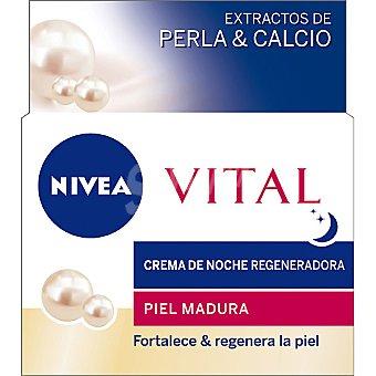 Nivea Vital crema de noche regeneradora con extractos de Perla & Calcio tarro 50 ml para piel madura Tarro 50 ml