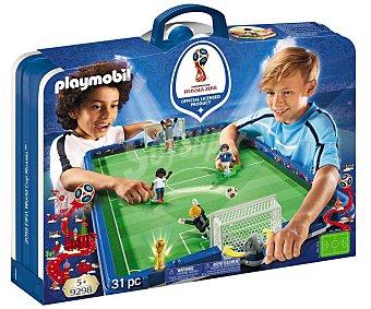 Playmobil Conjunto de juego Campo de fútbol en maletín, incluye 4 figuras, Mundial Rusia 2018, 9298 PLAYMOBIL.