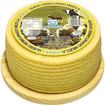 Levasa Queso semicurado mezcla elaborado con leche pasteurizada peso aproximado pieza 3 kg