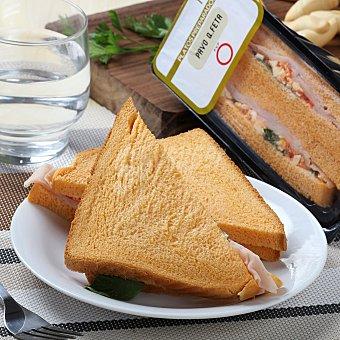Carrefour Sandwich pavo y queso feta 130 g
