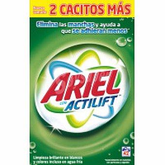 Ariel Detergente en polvo Maleta 42 cacitos