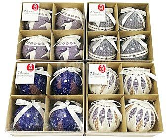 Actuel Caja con 4 bolas de 7.5 centímetros de papel con diseños navideños sobre fondos de color blanco o azul actuel. Este producto dispone de distintos modelos o colores. Se venden por separado SE surtirán según existencias 4u
