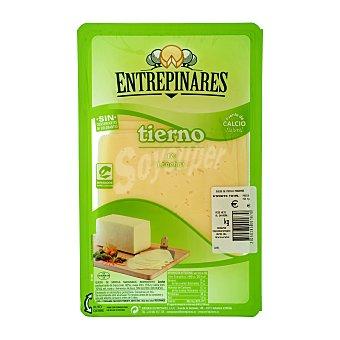 Entrepinares Queso barra lonchas tierno Paquete 250 g