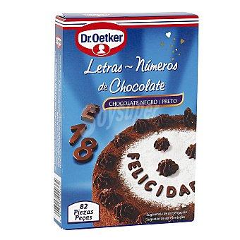 Dr. Oetker Letras y números de chocolate negro (82 piezas) 60 gramos