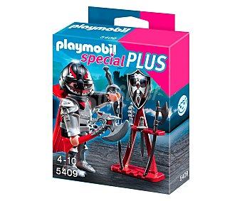 PLAYMOBIL Figura Special Plus, Caballero con armería, modelo 5409 de 1 unidad